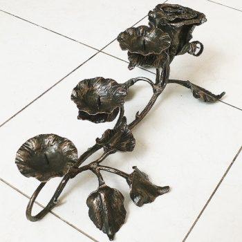 подсвечник кованый в виде розы