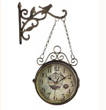 часы с элементами ковки